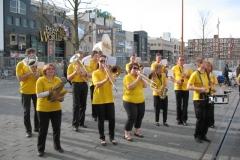 optreden plein almere 02-04-2011 017